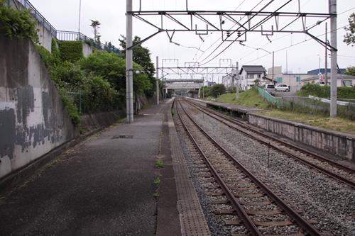 御代田駅2番線ホーム軽井沢方面