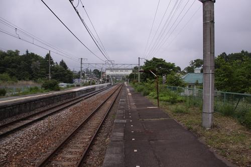 信濃追分駅2番線ホーム軽井沢方面
