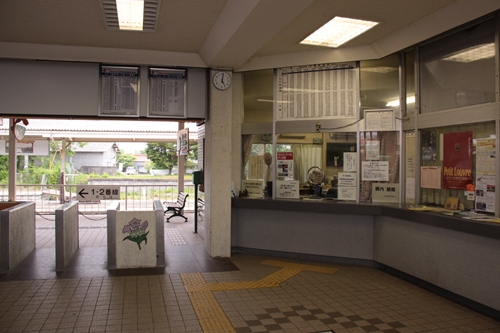 中軽井沢駅駅舎改札口