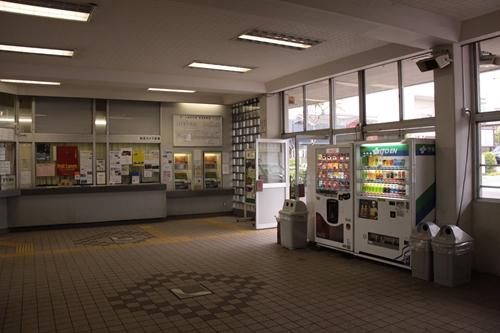 中軽井沢駅駅舎入口