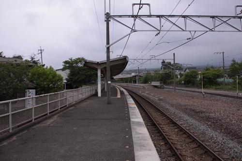 中軽井沢駅2番線ホーム篠ノ井方面