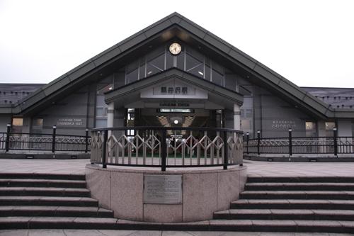 軽井沢駅2階デッキ正面