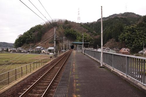 下天津駅ホーム福知山方面
