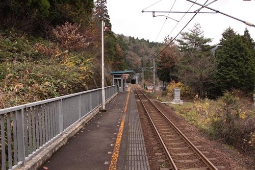 辛皮駅ホーム福知山方面