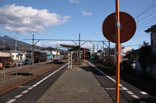 岳南富士岡駅ホーム岳南江尾方面