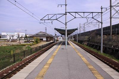 尼子駅ホーム米原方面