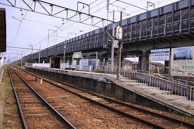豊郷駅ホーム