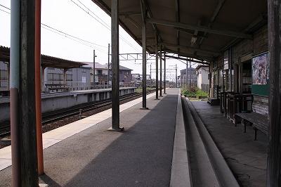 新八日市駅ホーム近江八幡方面