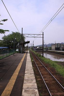 長谷野駅ホーム貴生川方面