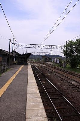 日野駅反対側ホーム貴生川方面