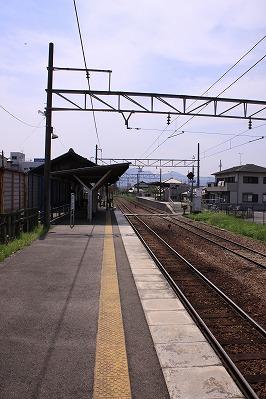 水口駅駅舎側ホーム貴生川方面