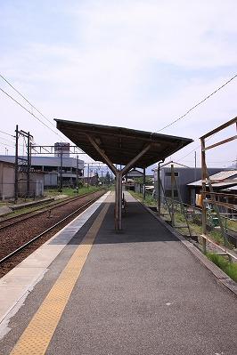 水口駅駅舎反対側ホーム貴生川方面