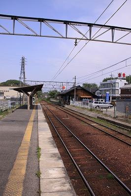 水口駅駅舎反対側ホーム八日市方面