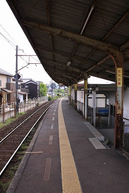 水口石橋駅ホーム貴生川方面