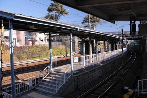 桜橋駅1番線ホーム全景