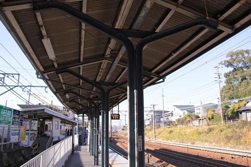 桜橋駅1番線ホーム庇