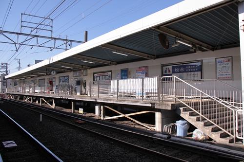 草薙駅1番線ホーム全景