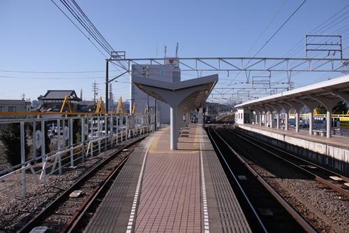 県総合運動場駅3番線・4番線ホーム新静岡方面