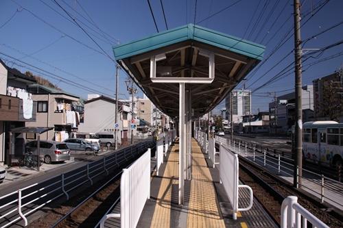 静岡清水線春日町駅ホーム新静岡方面
