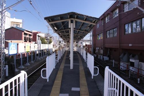 音羽町駅ホーム新清水方面