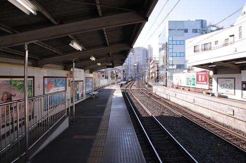 日吉町駅2番線ホーム新清水方面
