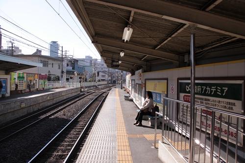 日吉町駅1番線ホーム新清水方面