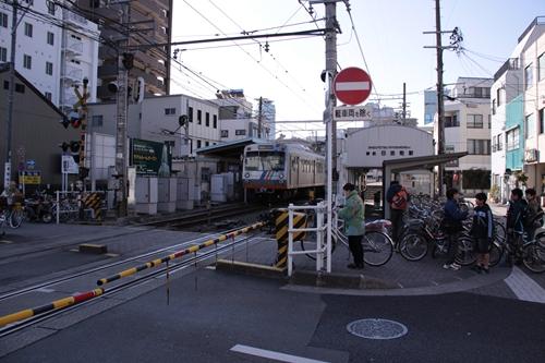 日吉町駅全景