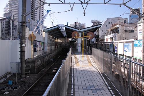 新静岡駅1番線・2番線ホーム新静岡方面
