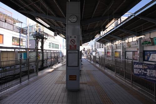 新静岡駅1番線・2番線ホーム新清水方面