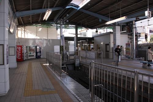 新静岡駅3番線ホーム入口その2