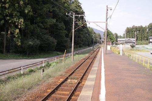 西野尻駅ホーム西藤原方面
