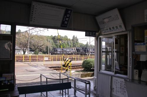 伊勢治田駅改札