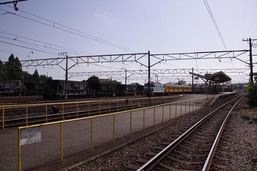 伊勢治田駅ホーム全景
