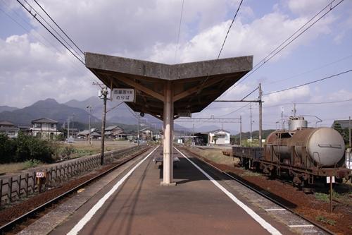 丹生川駅ホーム西藤原方面
