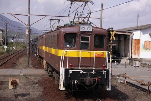 丹生川駅電気機関車