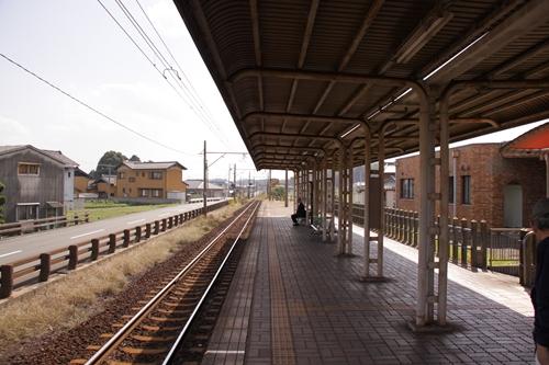 大安駅ホーム近鉄富田方面