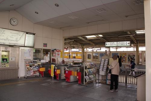 近鉄富田駅東口改札口
