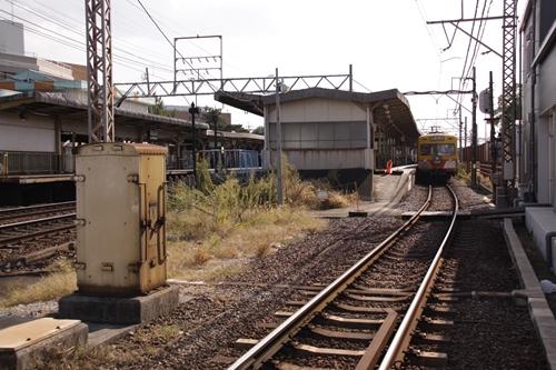 近鉄富田駅ホーム