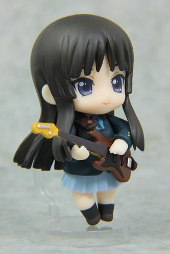 ねんぷちけいおん秋山澪(冬制服)右正面