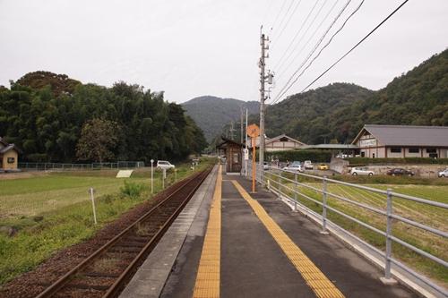 樽見鉄道織部駅ホーム根尾方面