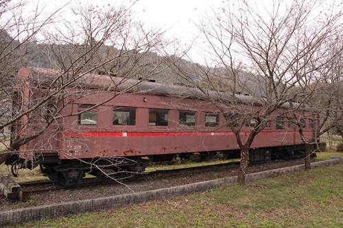 樽見鉄道谷汲駅オハフ33形客車