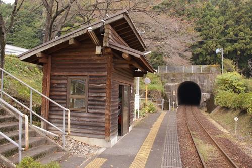 樽見鉄道日当駅待合所