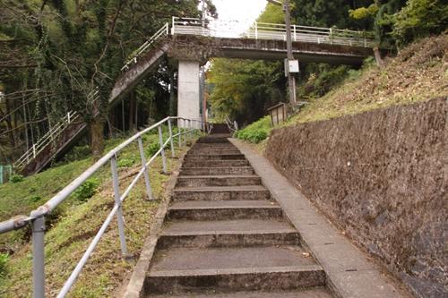 樽見鉄道高尾駅入口階段