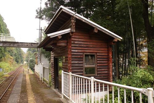 樽見鉄道高尾駅待合所