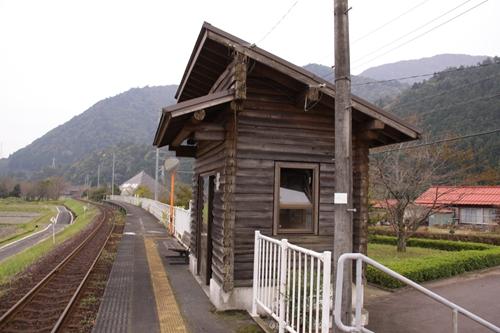 樽見鉄道水鳥駅待合所