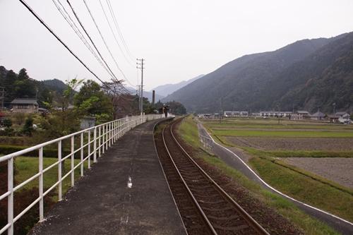 樽見鉄道水鳥駅ホーム根尾方面
