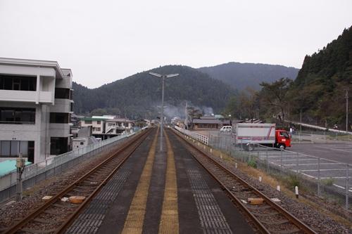 樽見鉄道樽見駅ホーム根尾方面