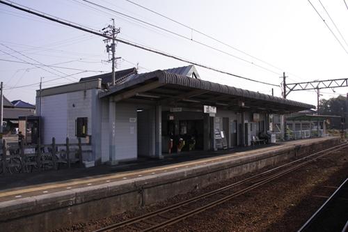 楚原駅阿下喜方面ホーム駅舎