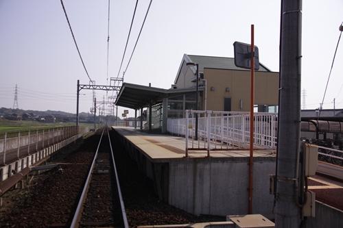 穴太駅ホーム