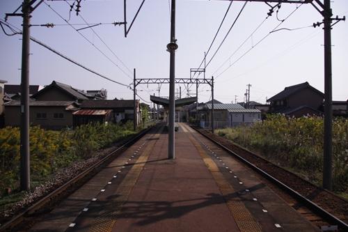 七和駅ホーム西桑名方面